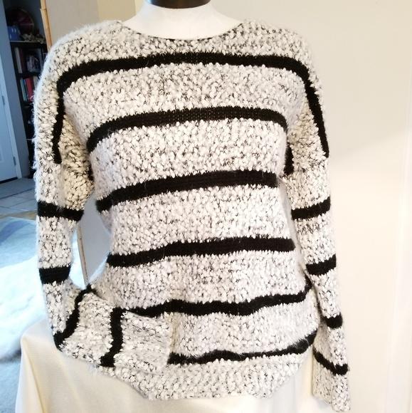 🌹 Calvin Klein super comfy sweater size s